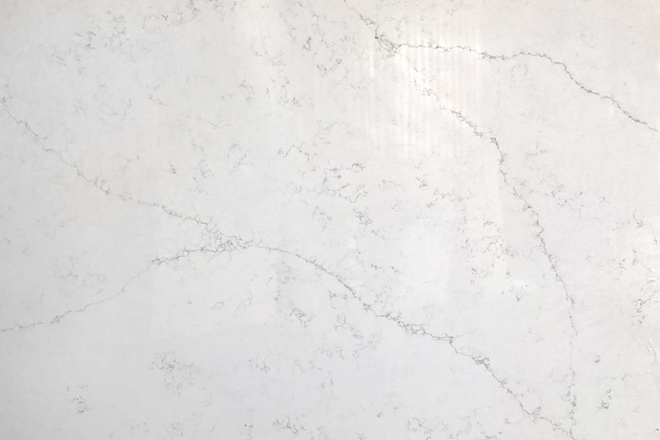 Calcutta Latino Quartz slab